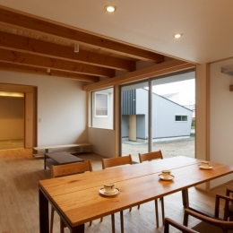 リビング (秋田の田舎の家)