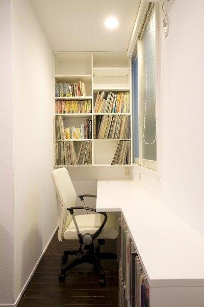 書斎コーナーのあるオーディオルーム ♯2 (リフォーム・リノベーション(築45年・・・昭和の家を気分も一新))