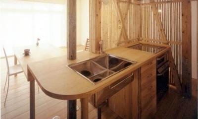 竹格子スクリーンでセミオープンなキッチンに。|リフォーム・リノベーション(老後を見据えて自宅の一部を改修)