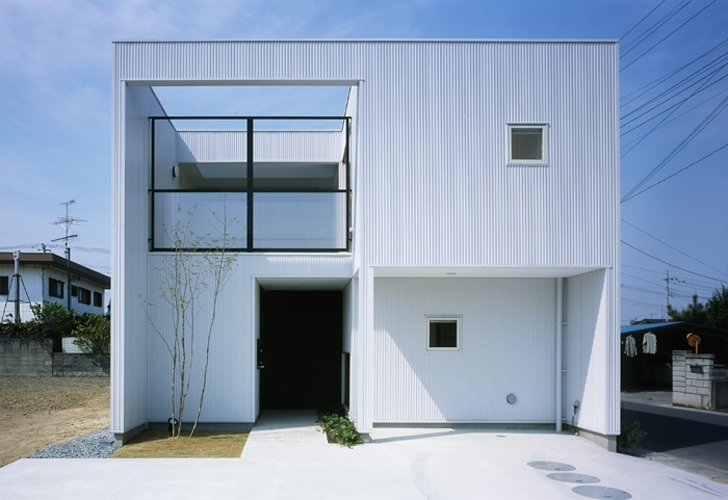 栗橋の家~中庭+吹抜け+ルーフバルコニーの家 (外観)
