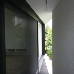 オウチ03・アトリエのあるスキップフロアの家 (ベランダ)