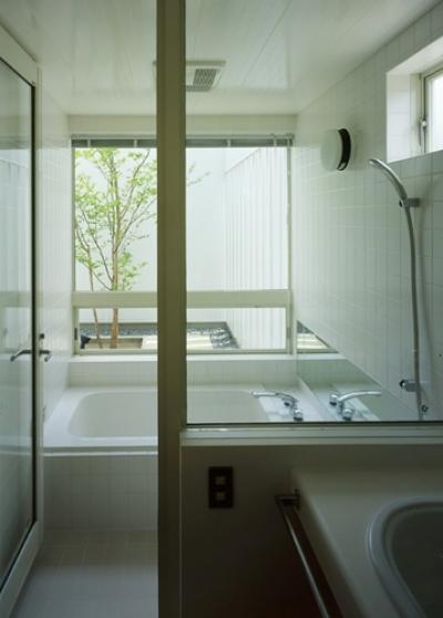 浴室 (栗橋の家~中庭+吹抜け+ルーフバルコニーの家)