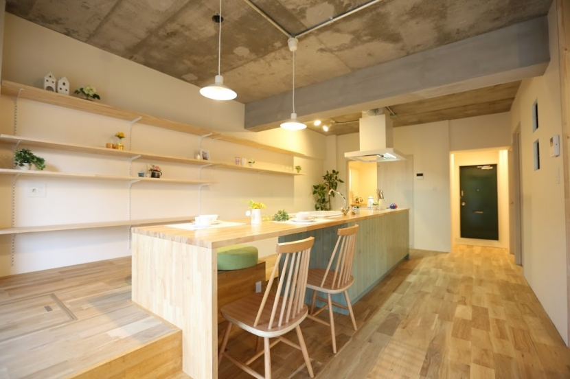 リフォーム・リノベーション会社:kulabo「キッチンが出迎える家」