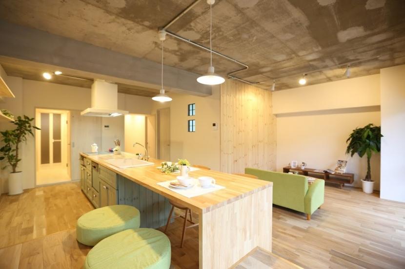 リノベーション・リフォーム会社:kulabo「キッチンが出迎える家」