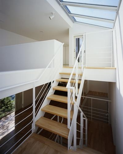 西久保の家~竹屏風の家の部屋 階段