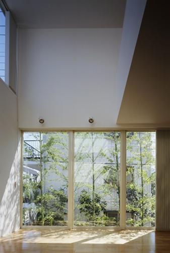 西久保の家~竹屏風の家の部屋 リビング2