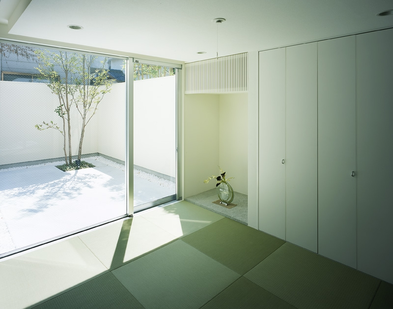 新小岩の家~4つの中庭のある家の写真 和室2