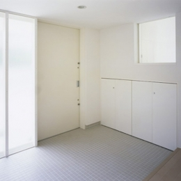 下井草の家~スキップフロア+ルーフガーデンの家 (玄関2)