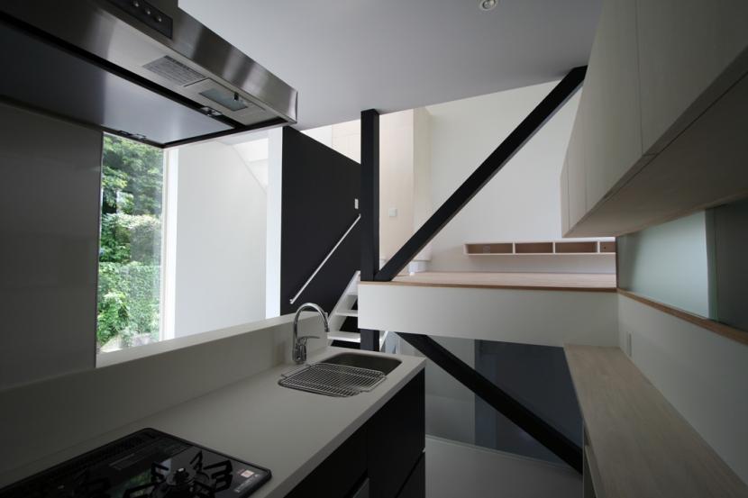 オウチ03・アトリエのあるスキップフロアの家の写真 キッチン