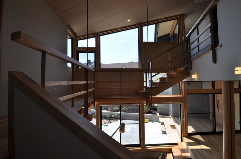 那須の別荘の部屋 吹き抜け階段
