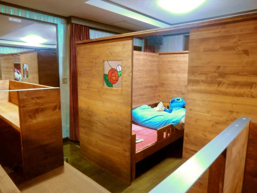 リフォーム・リノベーション(自由な子供室へ/Kenさんの家)の写真 子供室・・・好きなガラスを入れて