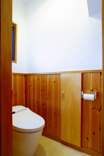 栃木県宇都宮市の鉄骨造3階戸建てリフォーム SS-houseの写真 トイレ