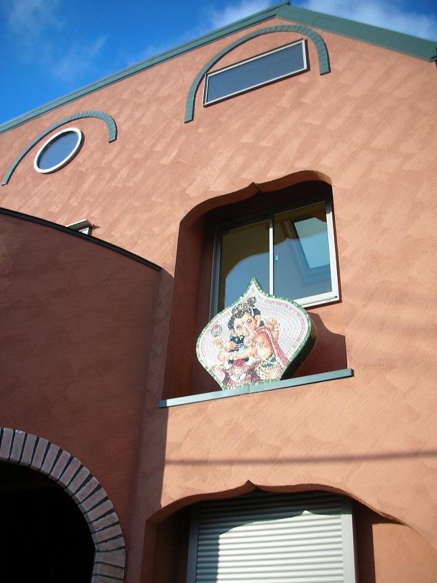 オー・カルカッタ・ヒンズースタイルの家 (外観)
