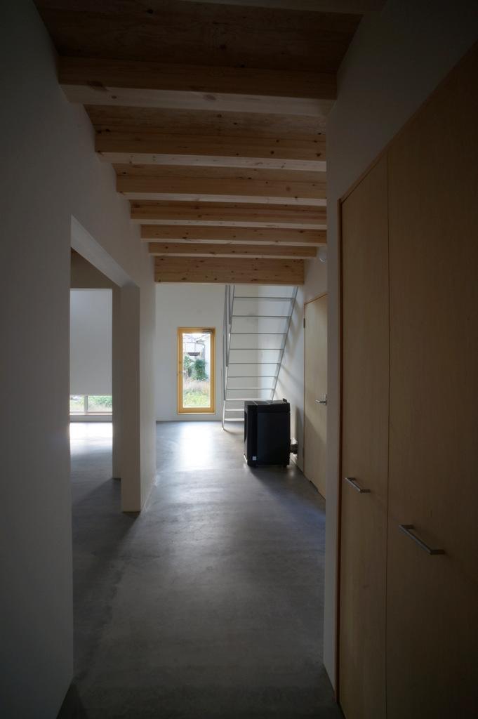 上堀の家の部屋 ホール