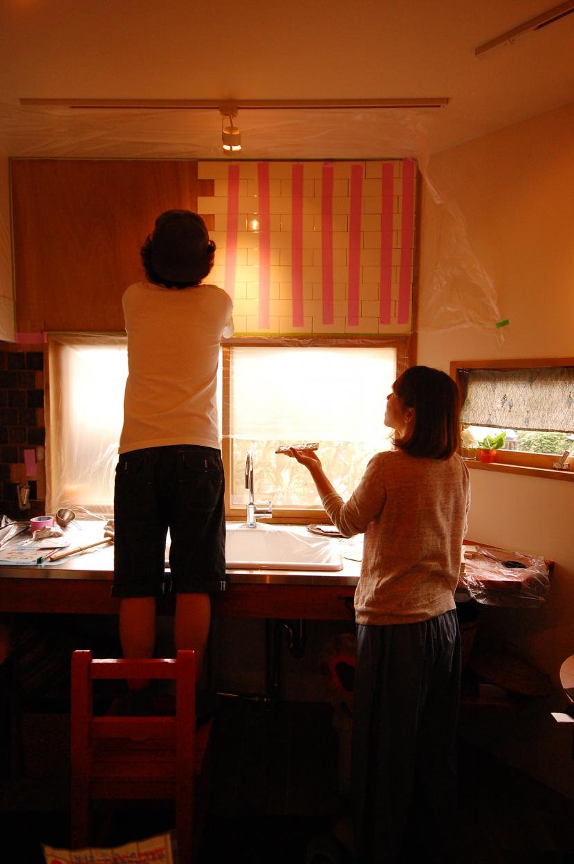 喫茶店の雰囲気が残る家の部屋 セルフリノベーション