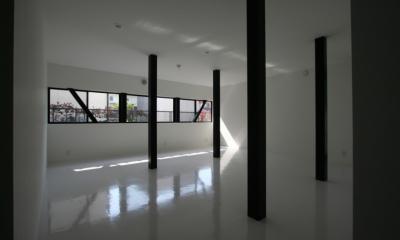 鳥取のミニマルデザインの家 OUCHI-02 (柱の位置で3つに分割する想定の子供室)