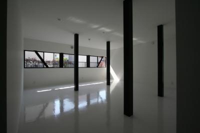 柱の位置で3つに分割する想定の子供室 (鳥取のミニマルデザインの家 OUCHI-02)