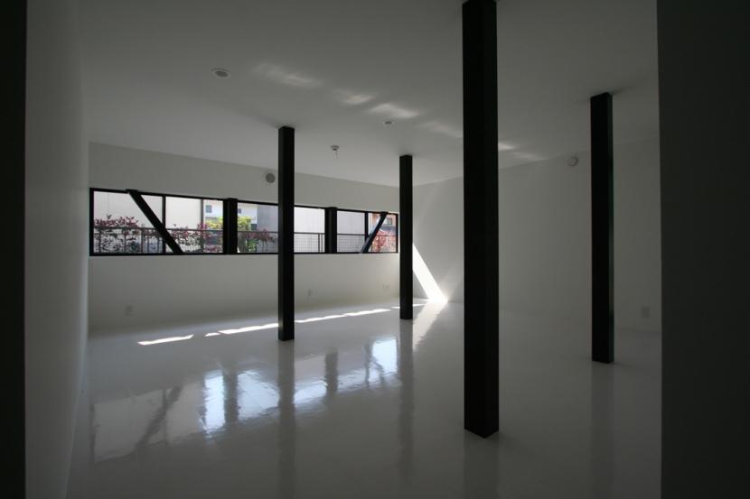 オウチ02・鳥取の家の写真 柱の位置で3つに分割する想定の子供室