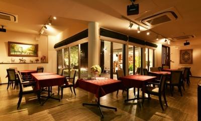 東京都大田区Y様邸 ~中庭のあるレストラン~ (中庭を囲む客席)