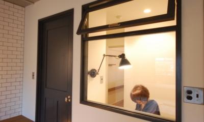 デザインだけじゃない!動線にもこだわったノンストレスなマンションリノベーション。 (書斎)