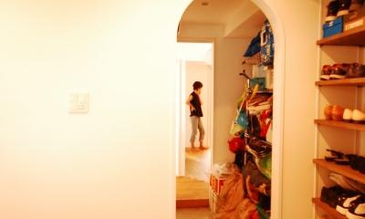 玄関収納庫|ハンモックがあるリビング
