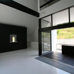 鳥取のミニマルデザインの家 OUCHI-02 (リビング)