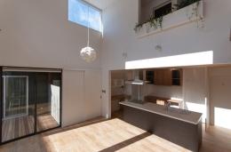明石台の家 (ダイニングとキッチン)