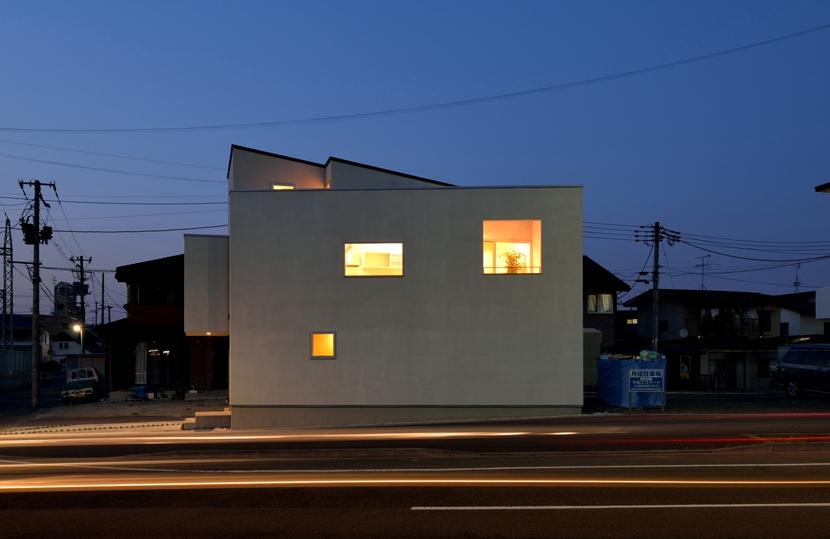 富沢の家の写真 夜景