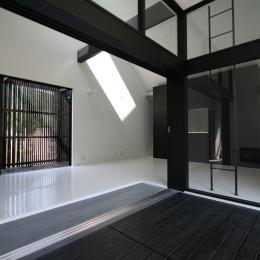 オウチ02・鳥取の家 (リビング前の2階デッキ玄関)