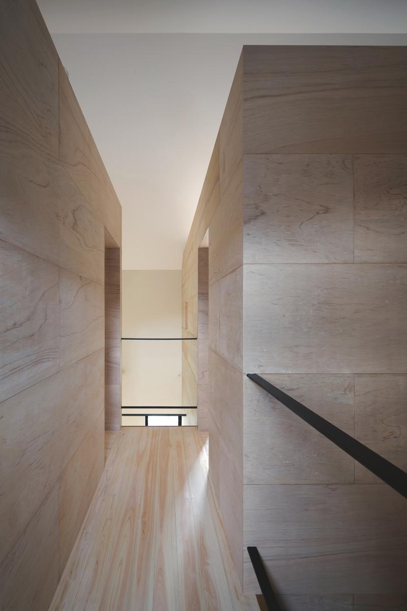 上大野の家 (2階廊下)