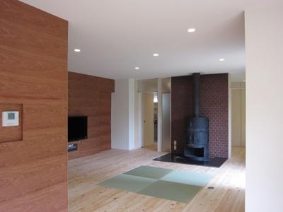 薪ストーブのある家の部屋 リビング