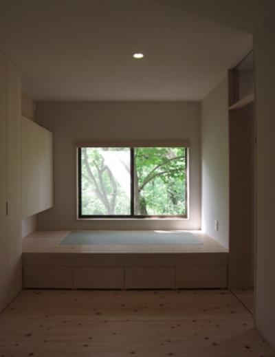 寝室 (薪ストーブのある家)