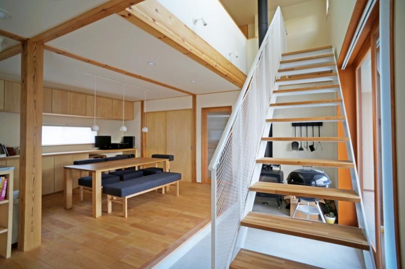 永久町の家の部屋 階段