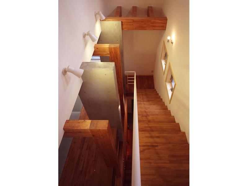 常盤平の家の部屋 階段01