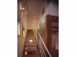 常盤平の家 (階段02)