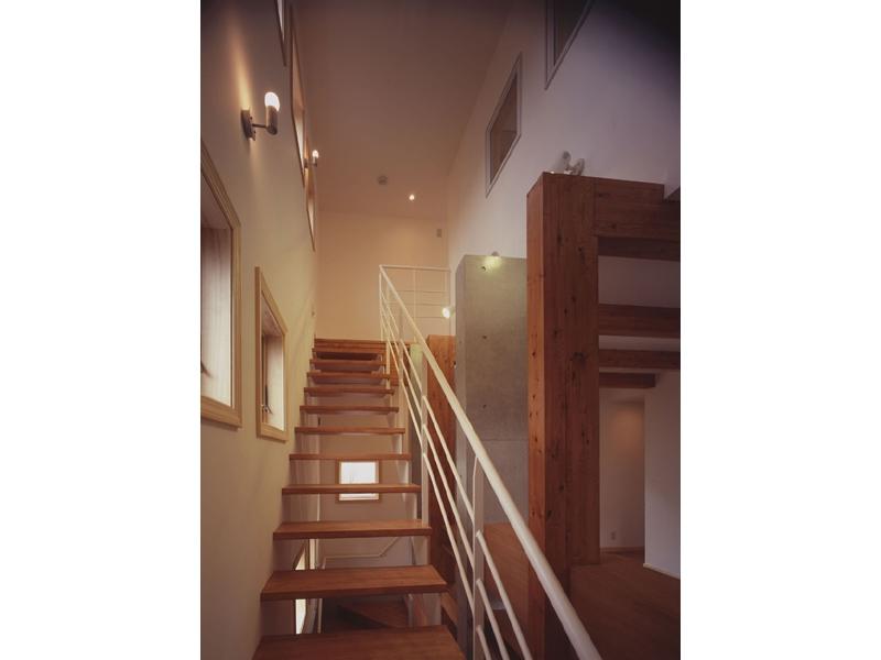 常盤平の家の部屋 階段02