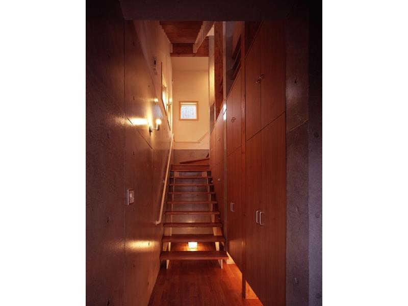 常盤平の家の部屋 玄関01
