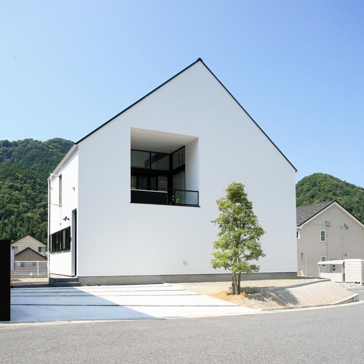 建築家:石川淳「鳥取のミニマルデザインの家 OUCHI-02」