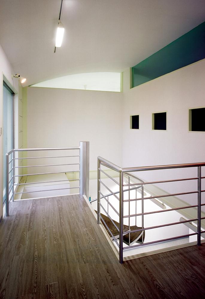 元山の家+事務所の部屋 廊下01