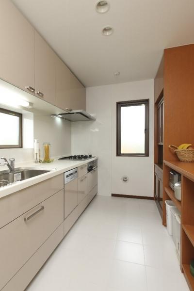 キッチン (横浜市I邸:実家リノベで二世帯に)