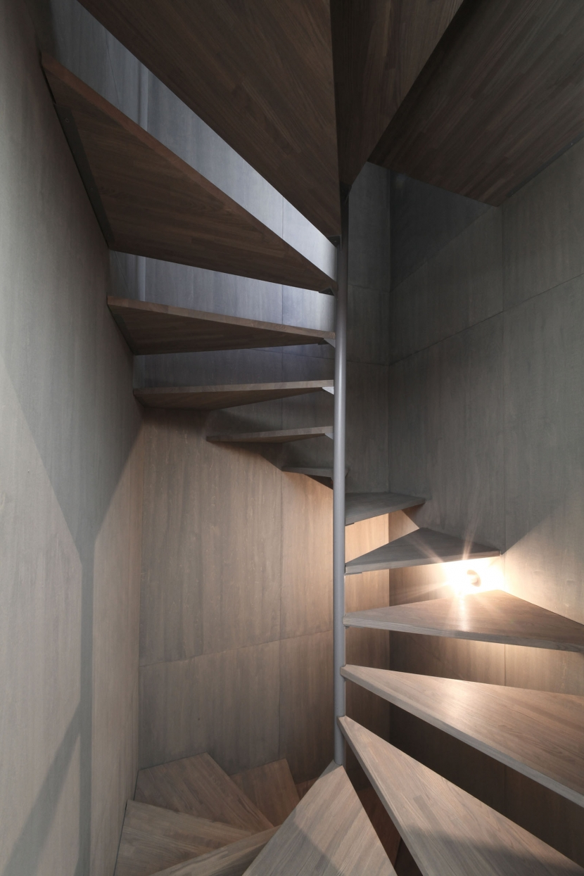 中野島の家の写真 階段