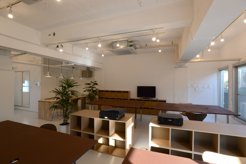 建築家:松田 周作「若竹ビル の シェアオフィス | coworking space in 5th Avenue」
