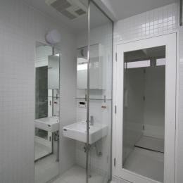 オウチ15・静岡の二世帯住宅 (親世帯洗面)