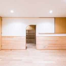 富士見坂の家 (2階寝室の書斎入口)