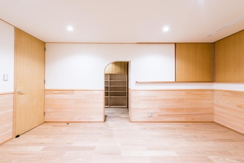 富士見坂の家の部屋 2階寝室の書斎入口