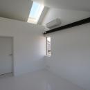 オウチ15・静岡の二世帯住宅の写真 天窓のある寝室