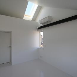 オウチ15・静岡の二世帯住宅 (天窓のある寝室)