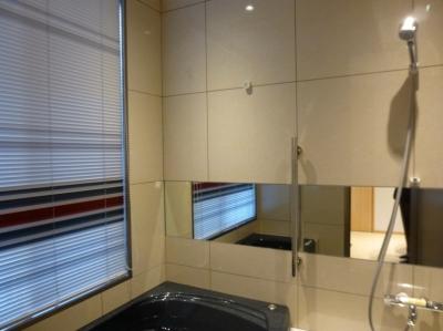 600角タイル壁の浴室01 (秦野市の住宅)