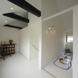 静岡の二世帯住宅  中庭に小屋を持つOUCHI-15 (引き戸で仕切る子供室)