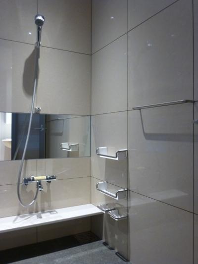 600角タイル壁の浴室02 (秦野市の住宅)